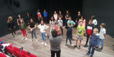 Les élèves de Marie Rivier jouent dans une comédie musicale !