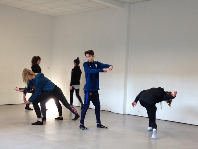 4A projet danse à l'école EPI «Dire l'amour»